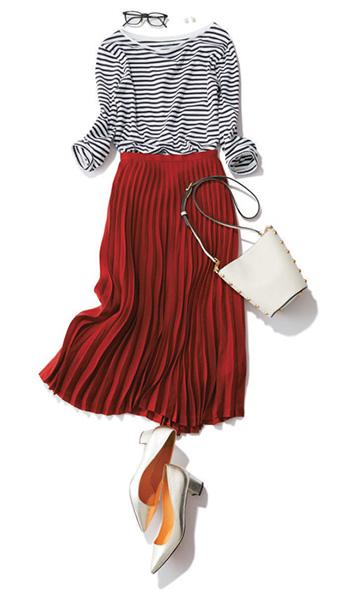 赤スカート×白黒ボーダーニット