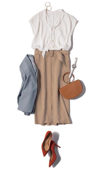 ベージュタイトスカート×白ボウタイブラウス