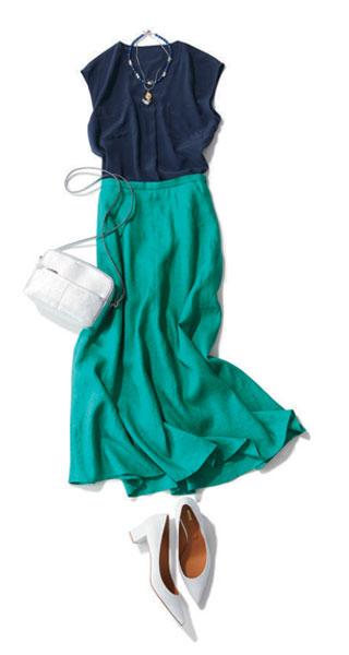 ネイビーブラウス×グリーンスカート