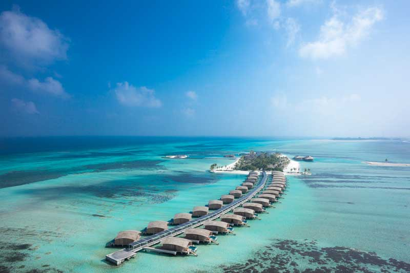 モルディブ 水上コテージ 高級