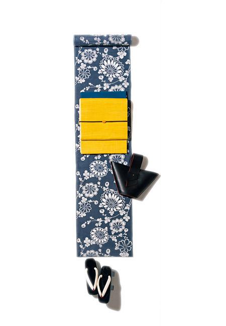 伝統柄×王道配色にモードなレザーバッグ
