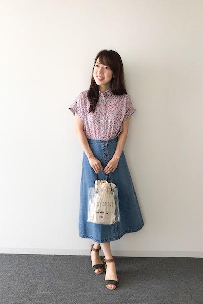 デニムロングスカート×花柄シャツ