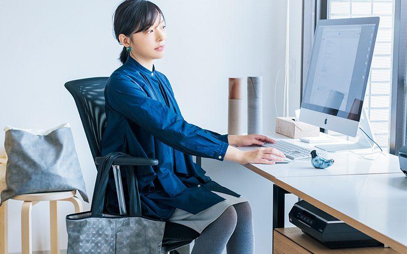 Shizuka Tatsuno Studio」代表取締役・辰野しずかさんの仕事服&1日のスケジュールを公開! | Oggi.jp