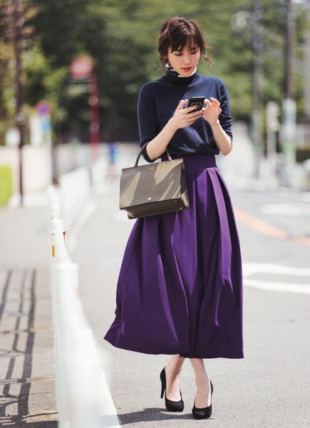 【5】ニット×スカーフインのワントーンコーデ