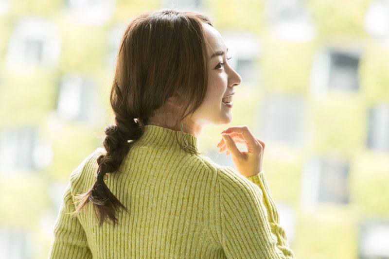 慌ただしい朝も簡単、三つ編み風ねじりアレンジ