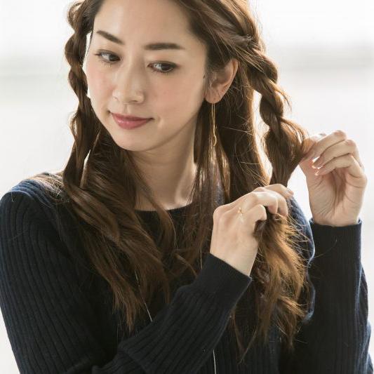 大人かわいい三つ編み×ハーフアップの華やかヘアアレンジ