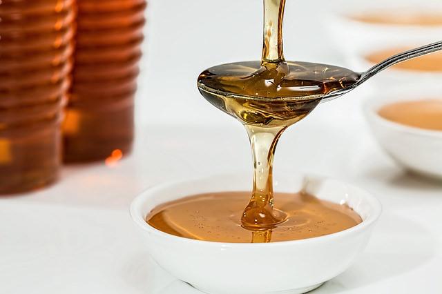乾燥肌にお悩みなら蜂蜜