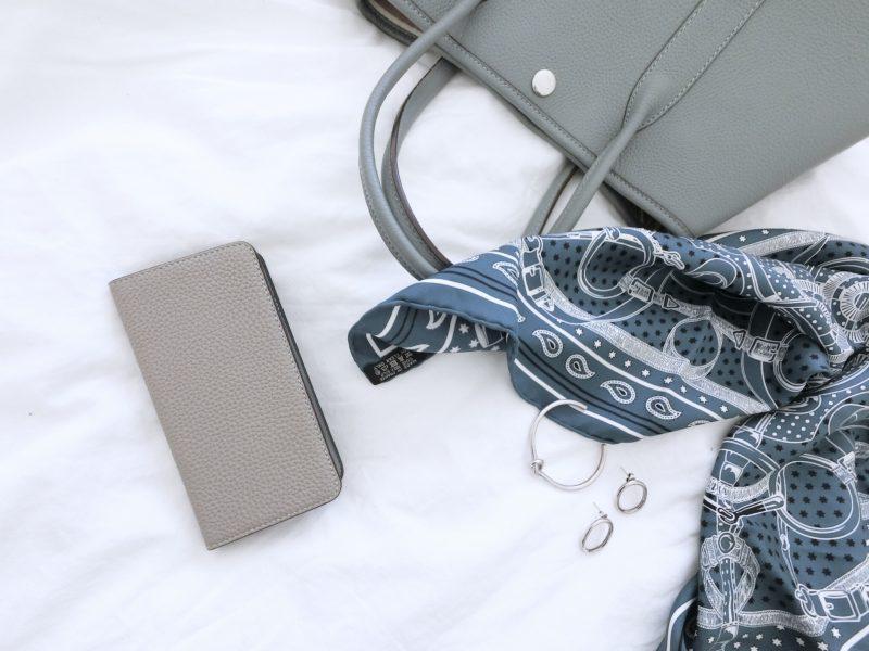 大人の携帯ケース