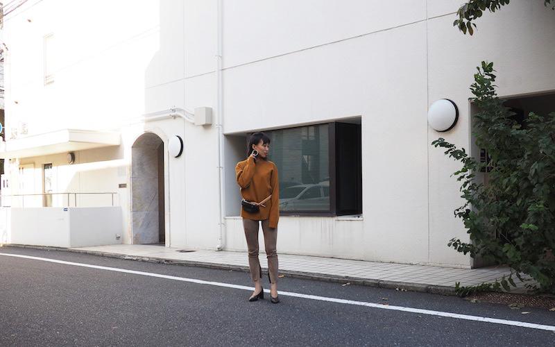 【ユニクロ ユー】ミラノリブモックネックセーター スリットスキニー