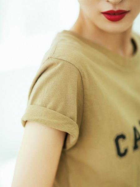 ゆるっとしたTシャツ