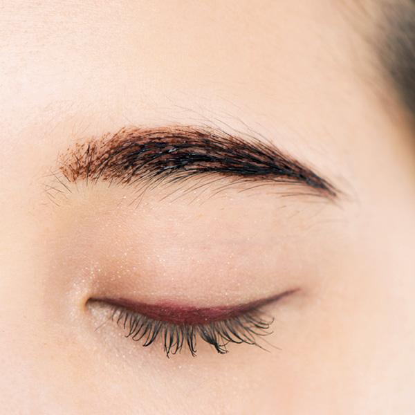 メイベリンの眉ティント