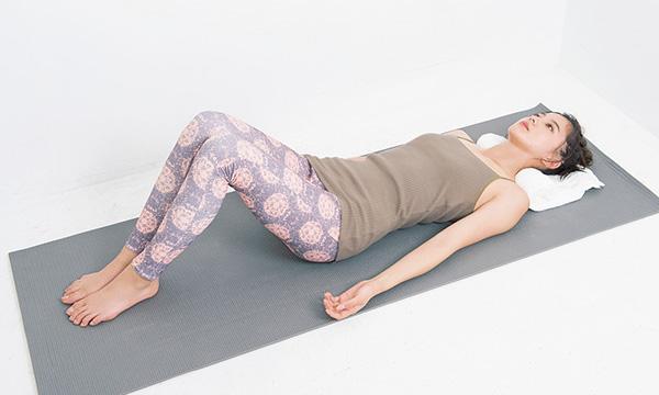 寝る前のケアで体の歪みを改善する