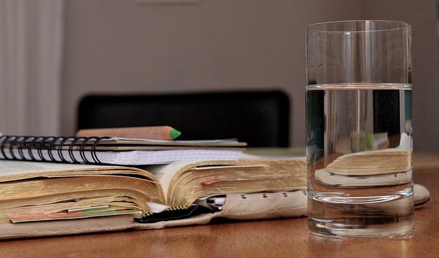 夏に比べて水分摂取が減る、秋