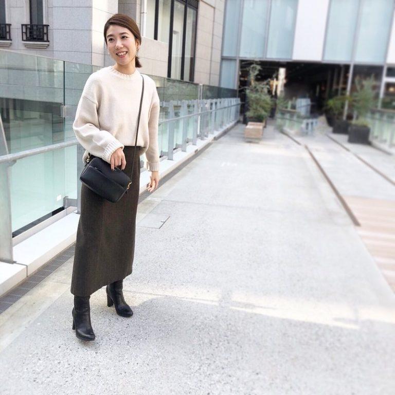 【15】茶色ロングタイトスカート×ベージュニット