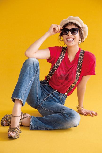 ベージュベレー帽×デニムパンツ