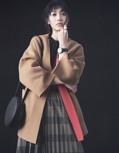 【8】キャメルノーカラーコート×プリーツスカート