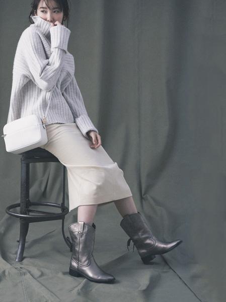 イレーヴの淡色タイトスカート