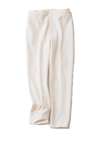 白の細身パンツ