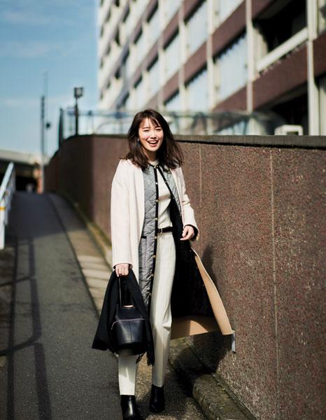 【9】白スキニーパンツ×キルティングコート