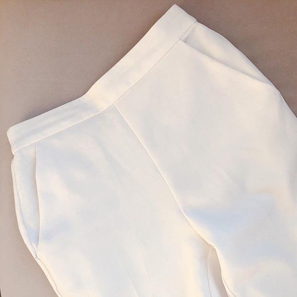 GUのプチプラ白パンツ