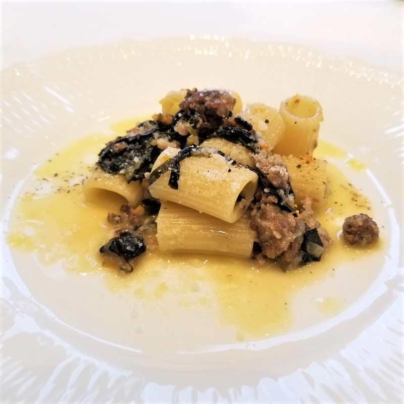 自家製イタリアンソーセージと黒キャベツのリガトーニ