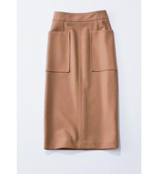 キャメルのタイトスカート