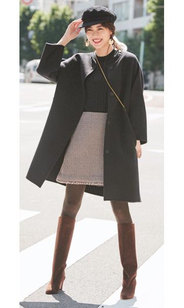茶キャスケット×ツイードミニスカート×黒コート