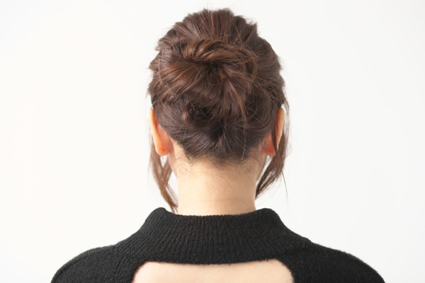 ロングヘア|タイトすぎないお団子の簡単ヘアアレンジ