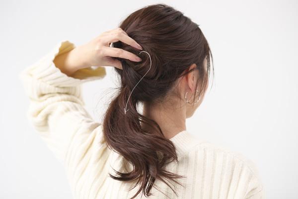 ロングヘア|ナナメくるりんぱの簡単ヘアアレンジ