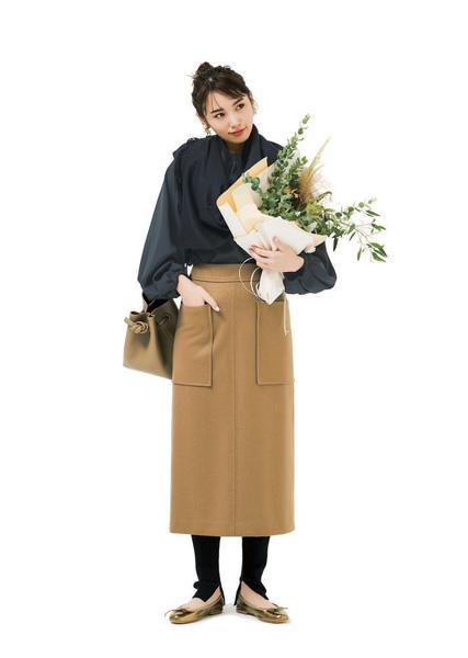 ブラウンバッグ×ベージュロングスカート