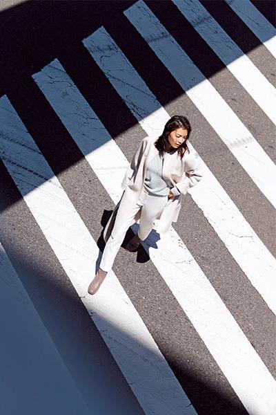 白ワイドパンツ×白コート