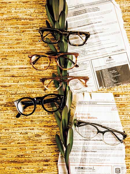 オーセンティック+aのデザイン性のあるメガネ