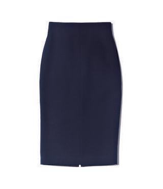 長め丈の濃紺タイトスカート