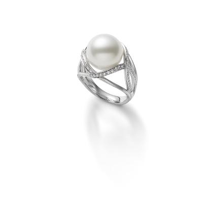 リング 白蝶真珠・ダイアモンド WGK18製