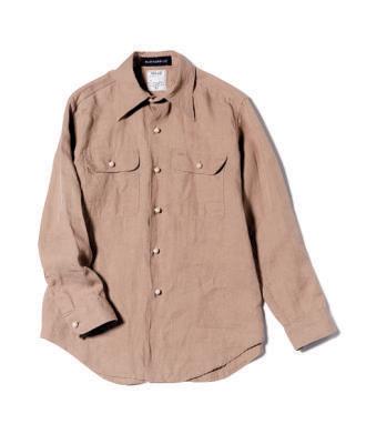 パールボタンのベージュシャツ
