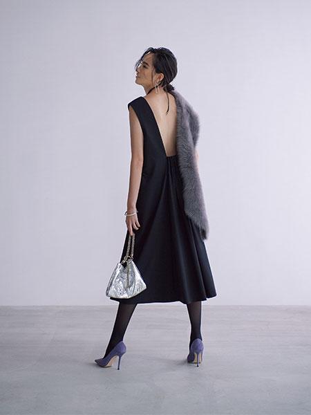 【1】バックシャン黒ドレス