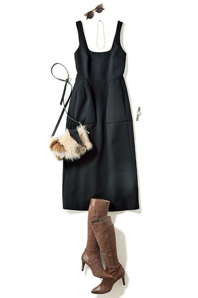 黒ドレス系ワンピース×パールネックレス