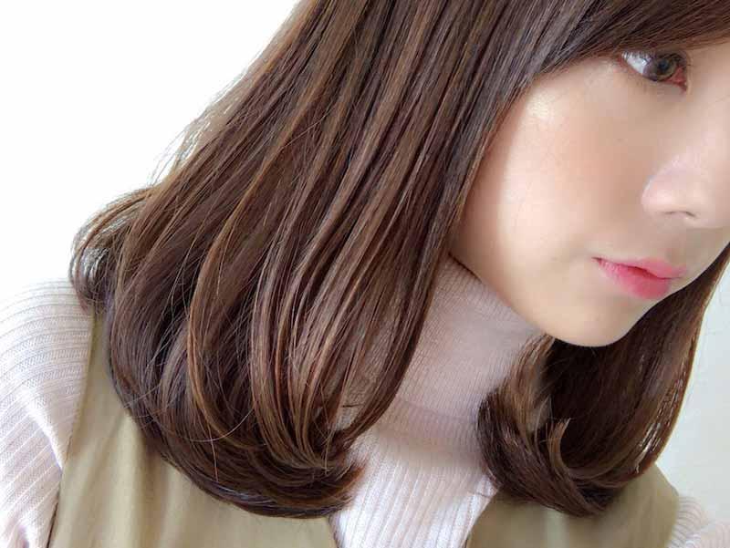 毛先に揉み込むように付け、束感を意識しながらスタイリング