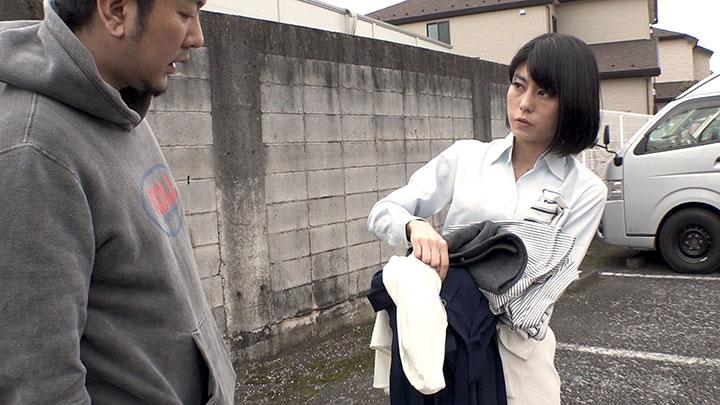 再現ドラマ女優・芳野友美さん 衣装は多めに持っていく