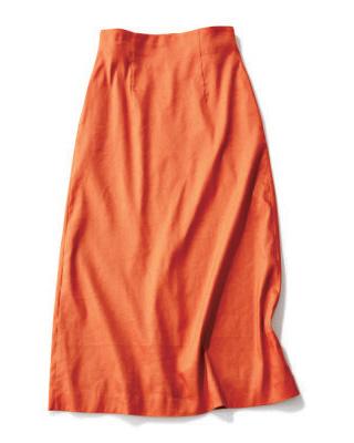 オレンジのタイトめスカート