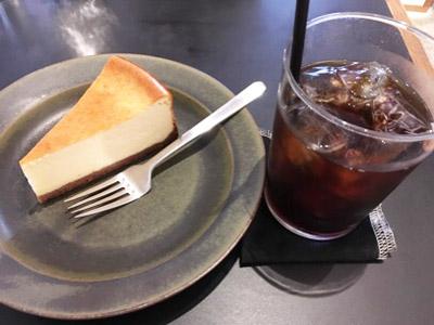 チーズケーキ、アイスコーヒー