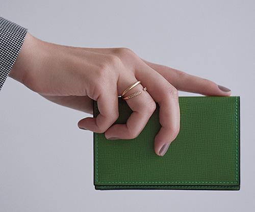 Valextra×グリーンカラー