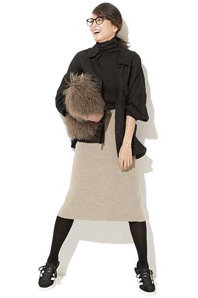 ストッキング コーデ 黒 夏に黒ストッキングを履くのはおかしい?可愛いコーデは?