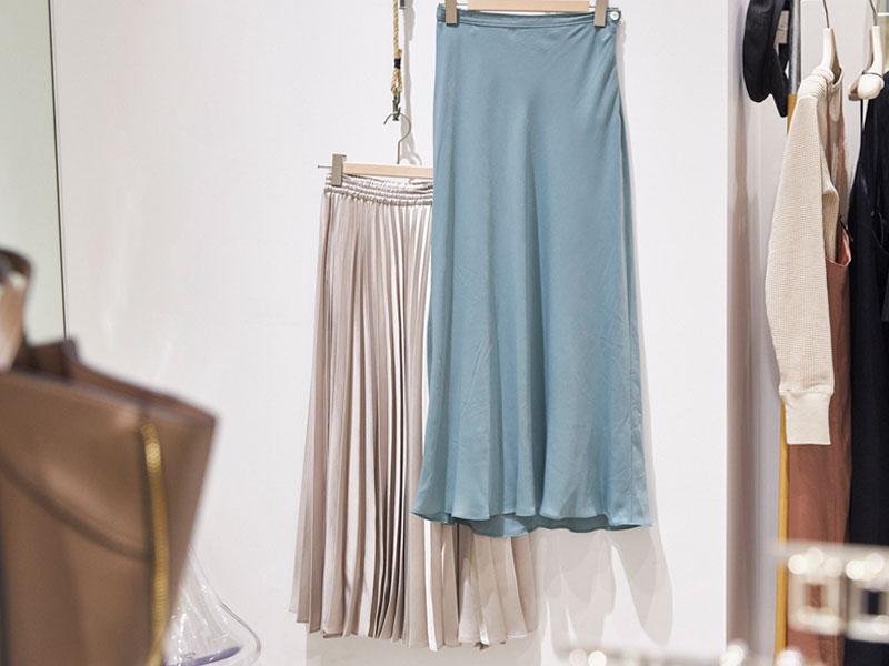 〝SLOBE IÉNA〟のスカート