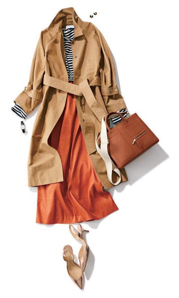 オレンジスカート×ベージュトレンチコート