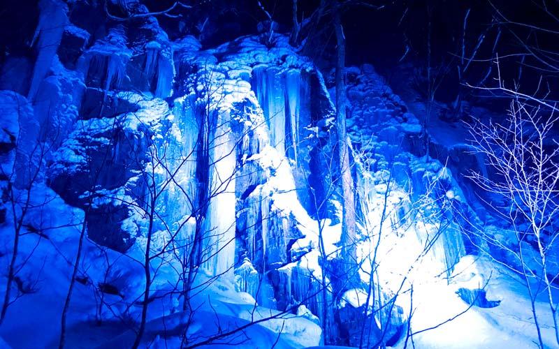 ライトアップ 雪景色