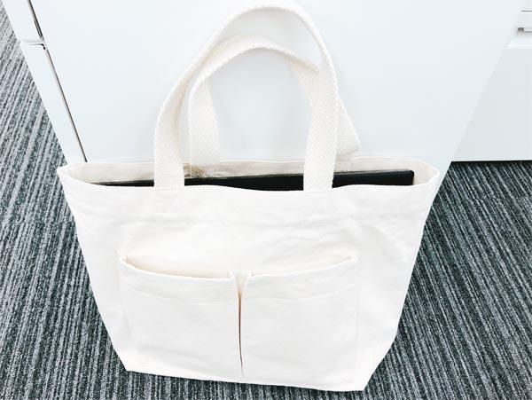 【2】無印良品の白キャンバストートバッグ