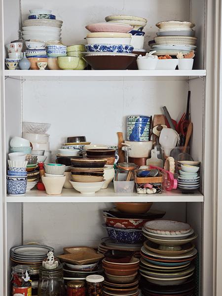 三原さんのご自宅の食器棚