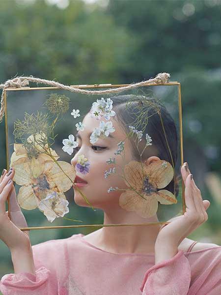 押し花コラージュ ガラスのキャンバス 矢野未希子