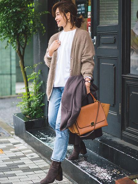 エディター三尋木奈保さん 春服×冬服コーディネート